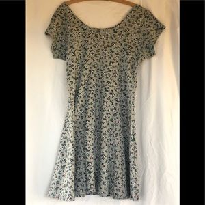 Short sleeved gray with flower print dress